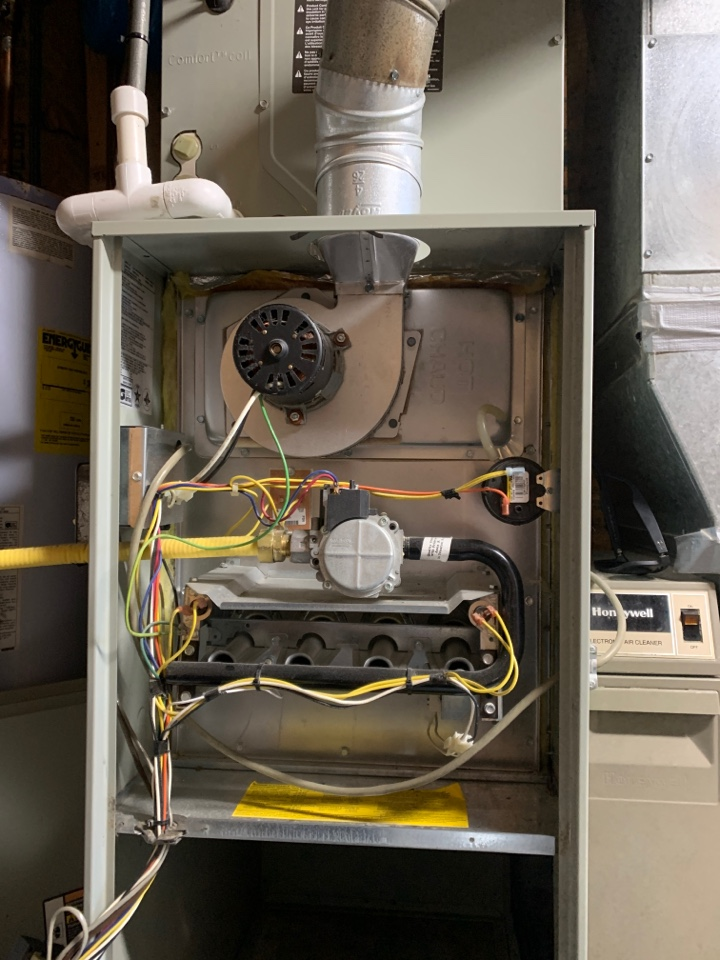 Vinton, VA - Motor change on trane gas furnace Vinton va 24179