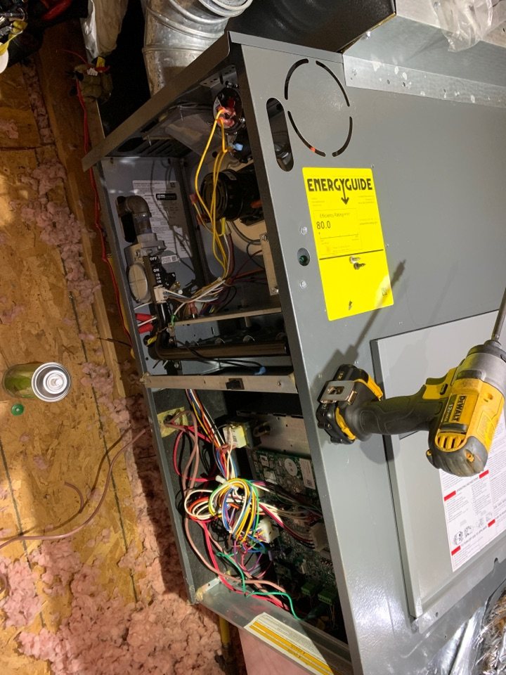 Salem, VA - Maintenance on an Amana woods signature series heat pump in attic in Salem va 24153
