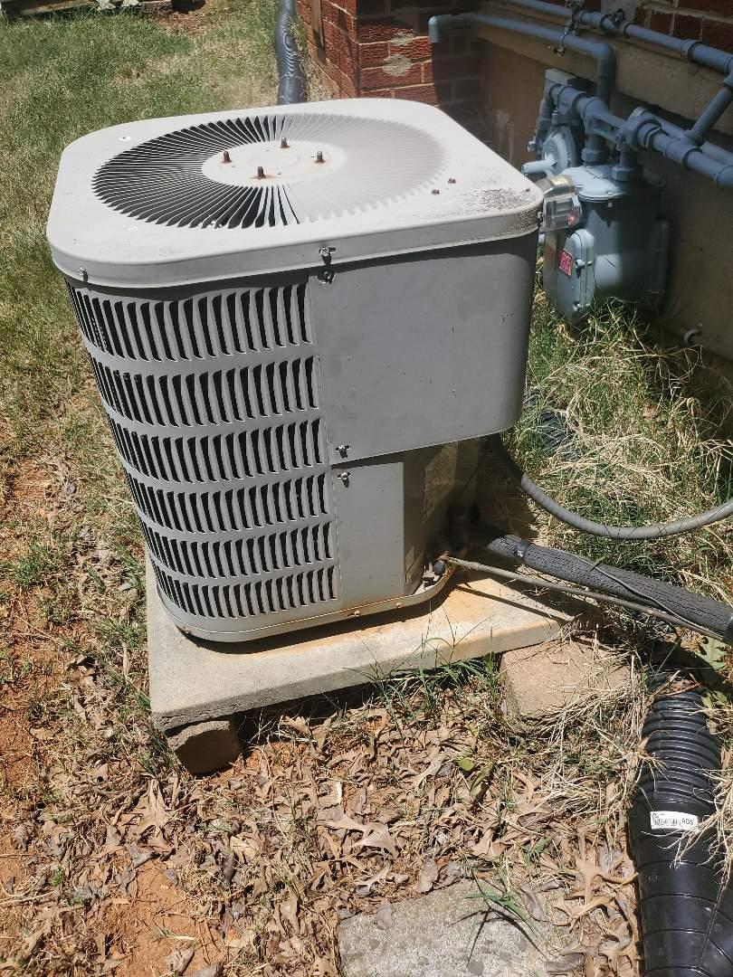 Hollins, VA - Capacitor