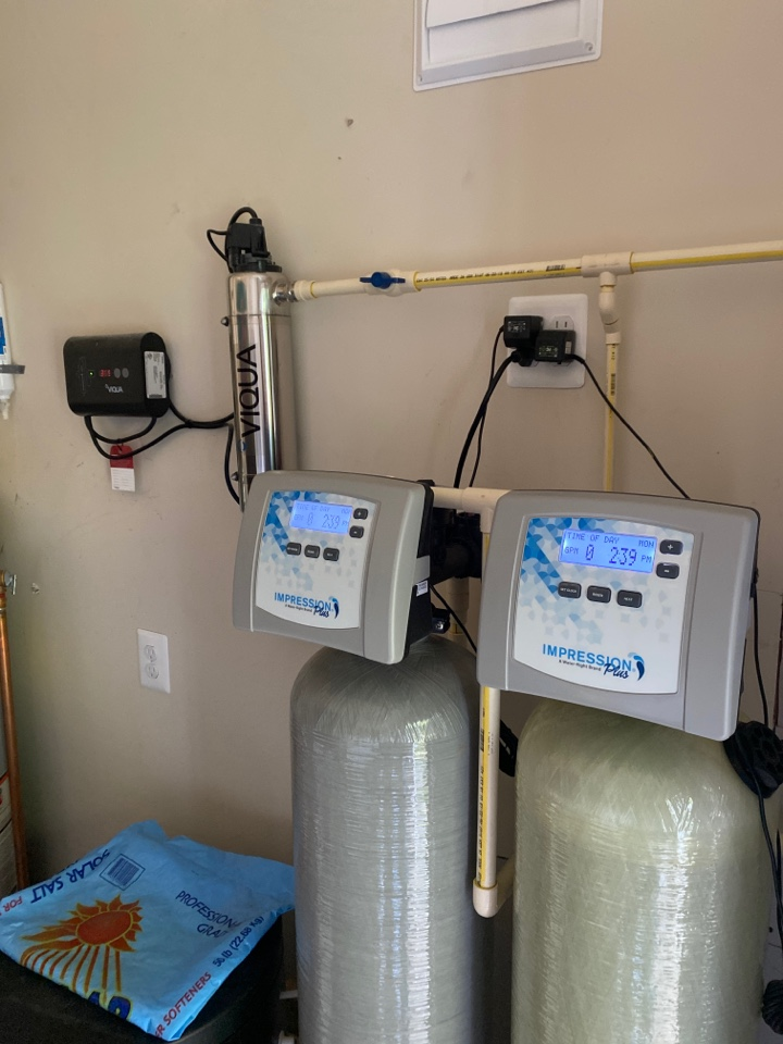 Middleburg, VA - Time for the annual Ultra Violet bulb replacement and serviced water treatment