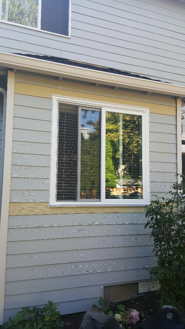 Wilsonville, OR - Replaced 3 failed vinyl windows with 3 new Milgard Montecito windows. Also added pvc trim with a sloped sill trim.