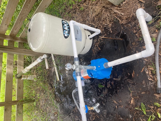 Indiantown, FL - Installed a new Goulds 1.5 HP shallow well jet pump with a pressure tank and various SCH-40/80 fittings and pipe.
