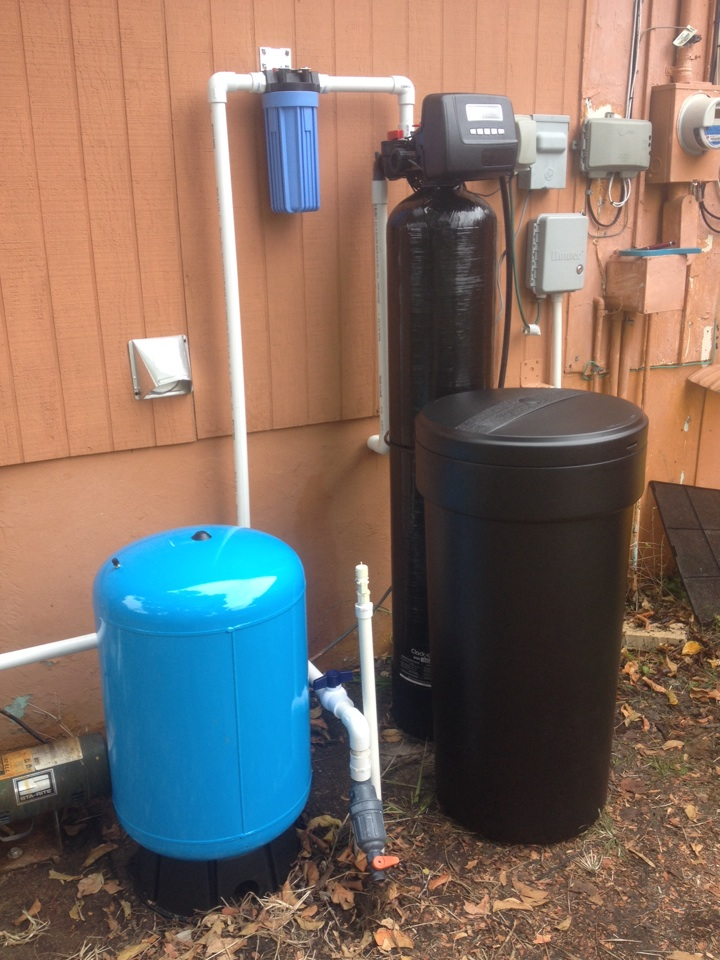 Stuart, FL - Installed 1- Clack WS1 Matrix water softener with tannin resin and 1- well pump pressure tank.