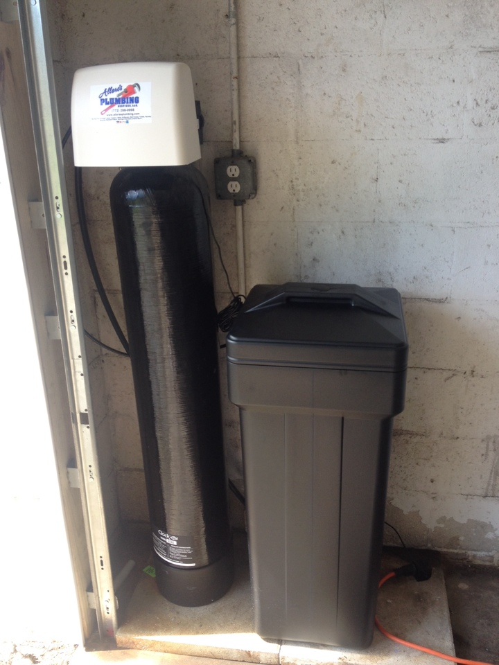 Stuart, FL - Performed water treatment services by installing a Clack WS-1 Matrix water softener with tannin resin.