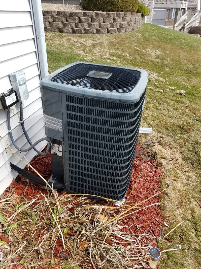 Osseo, MN - Air conditioning tune up and cleaning on Goodman air conditioner