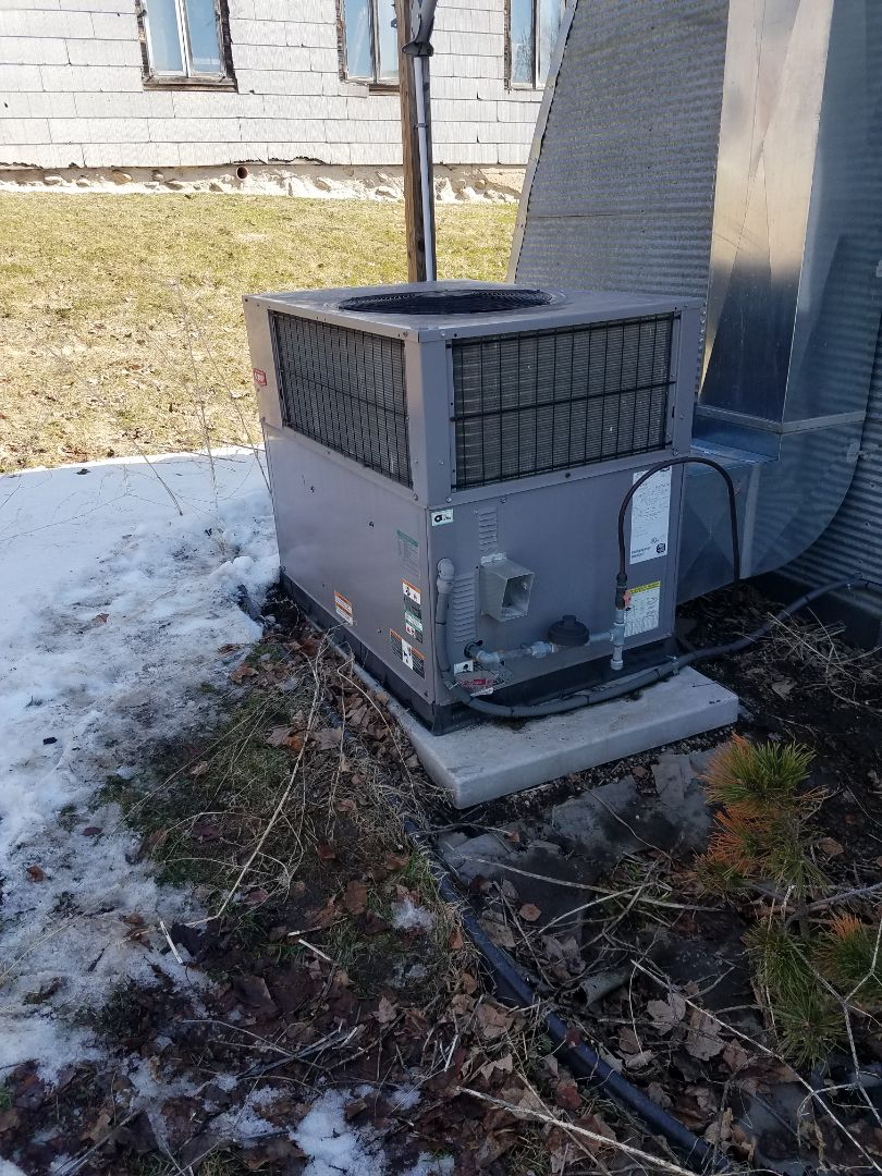 Osseo, MN - Commercial furnace tune up and cleaning on Bryant unit in Fletcher