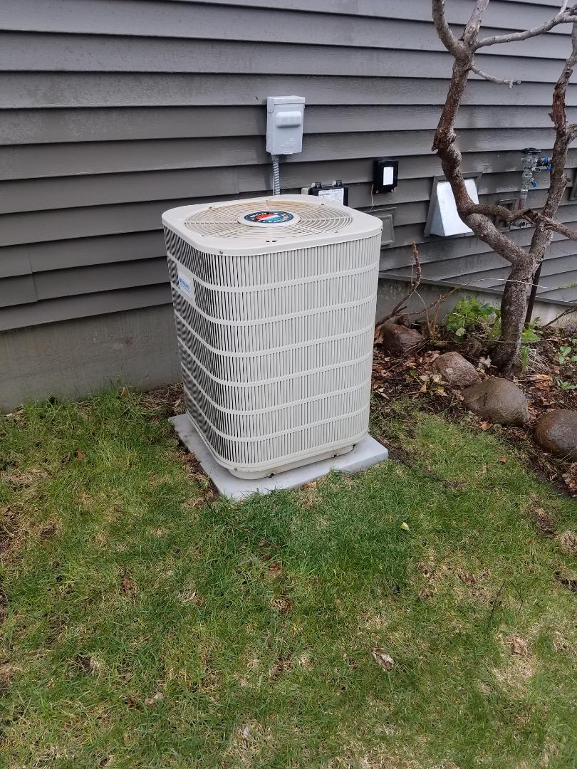 Plymouth, MN - Air conditioning tune up and cleaning on frigidaire air conditioner