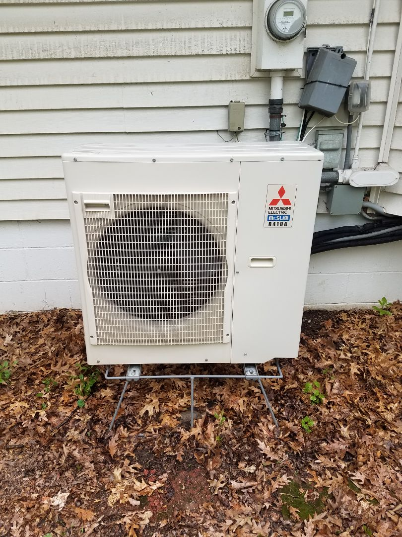 Hopkins, MN - AC maintenance. Performed cleaning and tune up on a Mitsubishi mini split