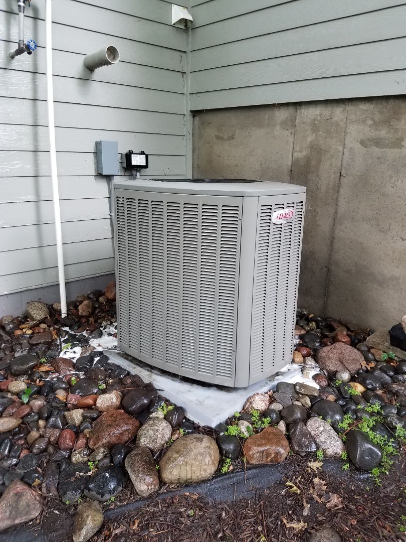 Edina, MN - Found Lennox ac low on charge in edina