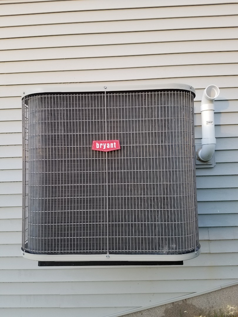 Otsego, MN - Cooling maintenance. Performed cleaning and tune up on a Bryant air conditioner. Added UV leak sealant and balanced system.