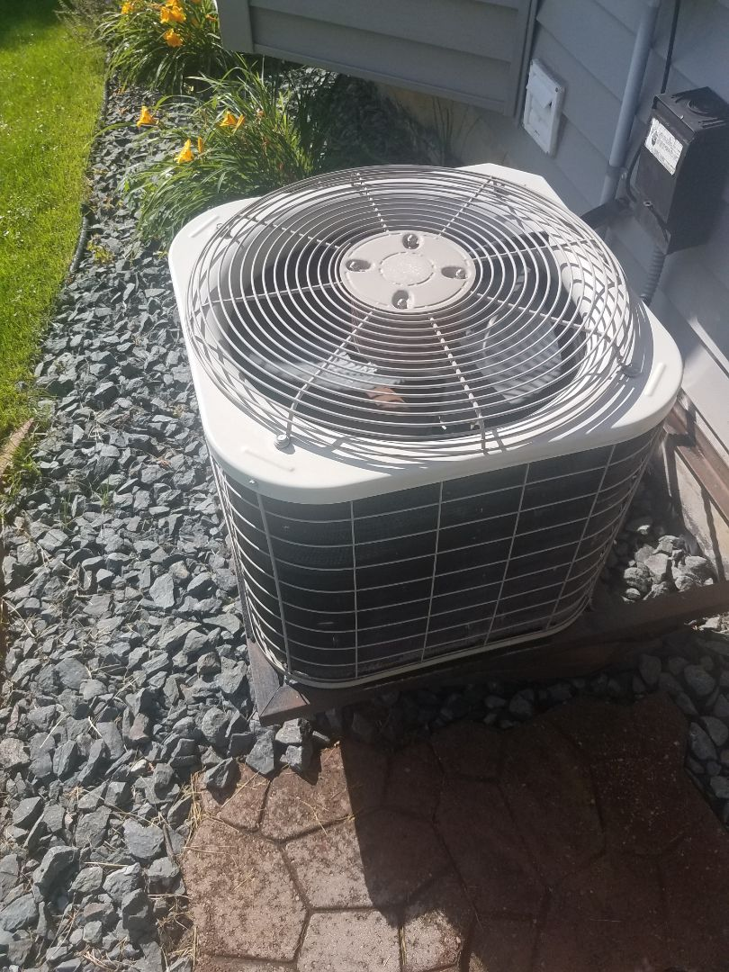 Otsego, MN - AC repair and tune up on Bryant unit in Rogers