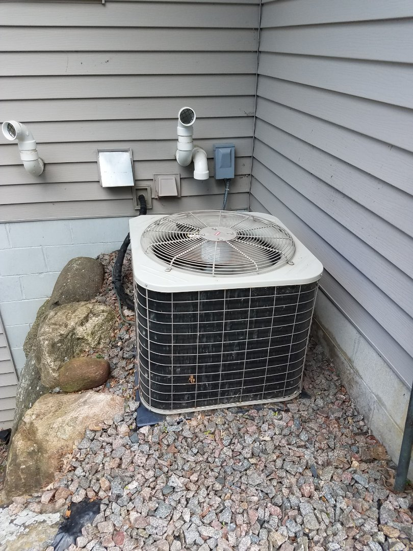 Ramsey, MN - Balanced R22 refrigerant and added leak sealant on Bryant unit in Ramsey