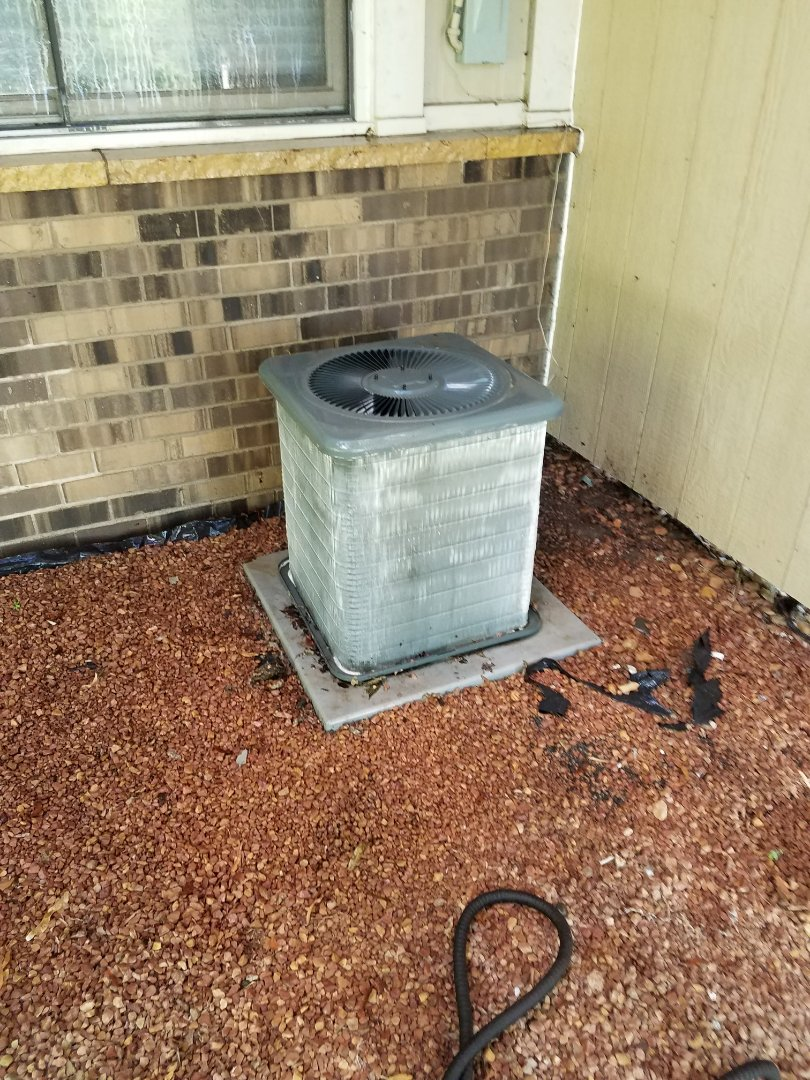 Osseo, MN - AC tune up and clean on Goodman unit in Maple Grove