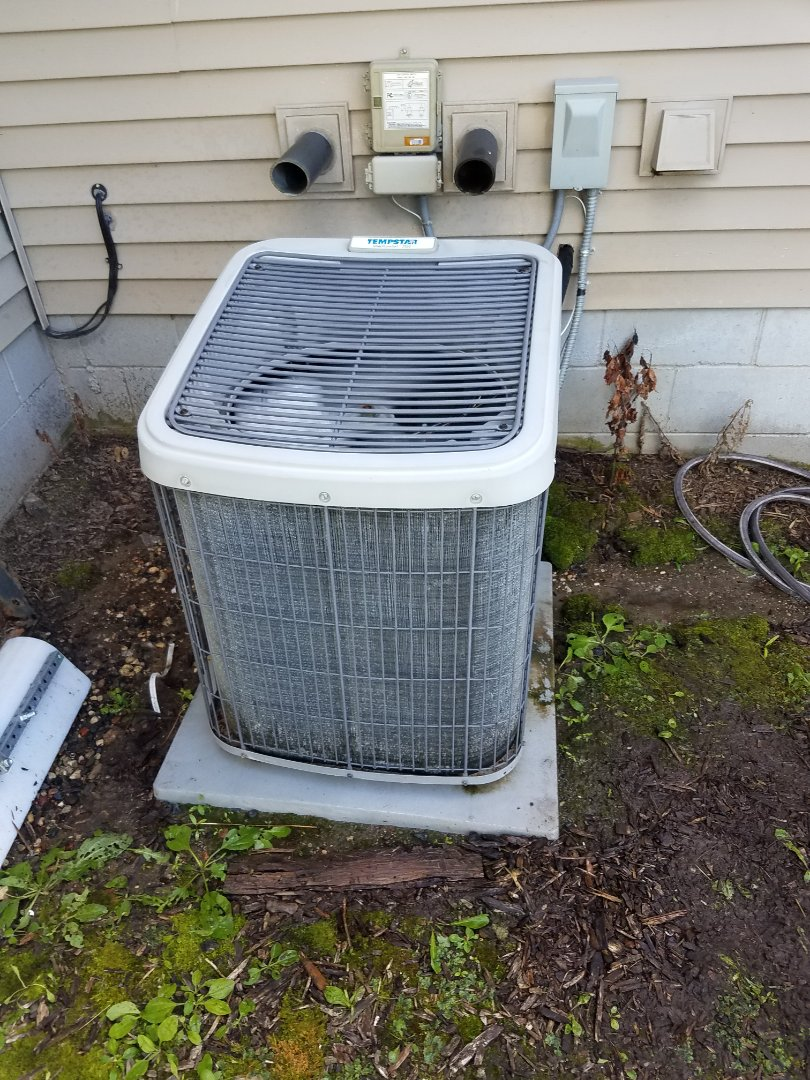Buffalo, MN - Cooling maintenance. Performed cleaning and tune up on a Tempstar AC.