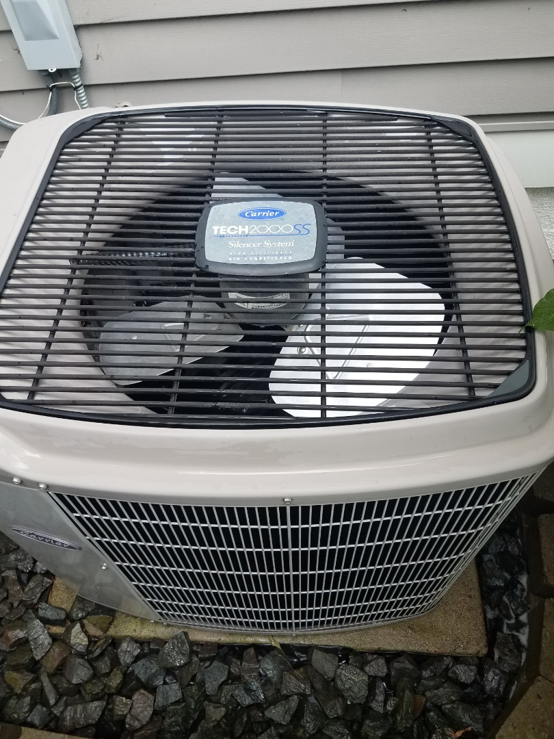 Rogers, MN - Cooling maintenance. performed tune up and cleaning on a Carrier air conditioner.
