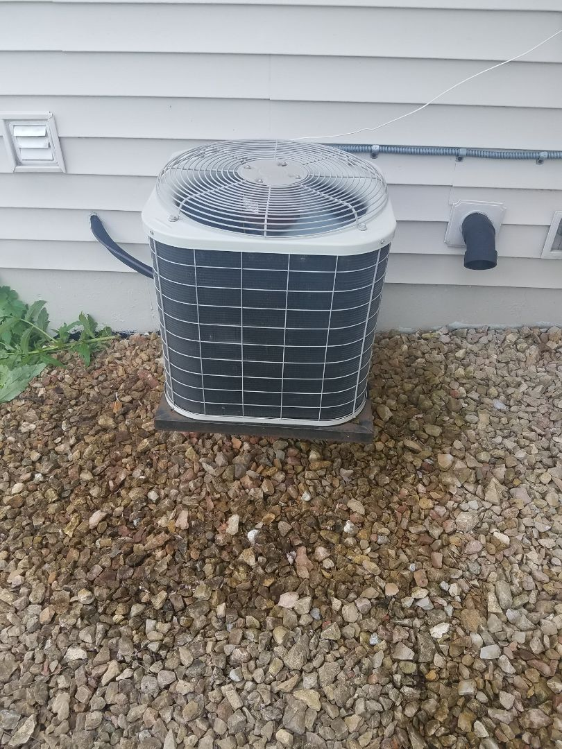 Osseo, MN - Cooling maintenance. Performed tune up and cleaning on a Bryant AC.