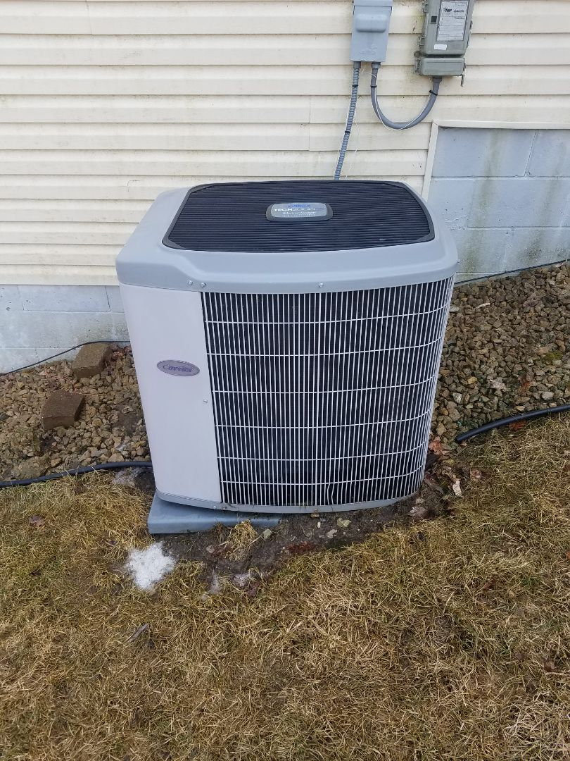 Rogers, MN - AC maintenance. Performed cleaning and tune up on a Carrier AC.