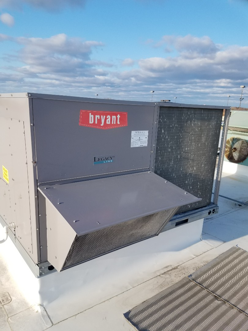 Monticello, MN - Rtu maintenance. performed tune up and cleaning on a Bryant RTU. Changed blower motor starter on Bryant RTU