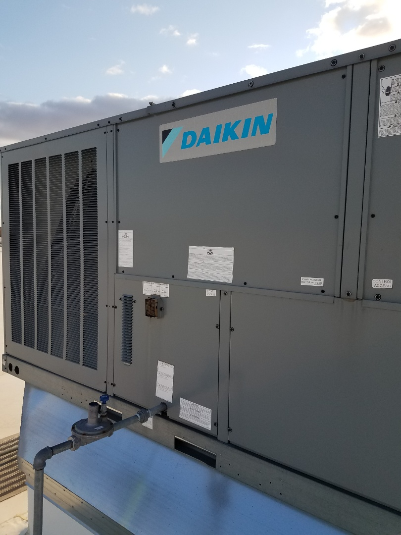 Monticello, MN - RTU maintenance. Performed cleaning and tune up on a Daikin RTU. Changed blower motor starter.