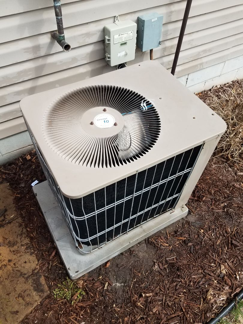 Rogers, MN - Cooling maintenance. Performed cleaning and tune up on a Armstrong Air AC.