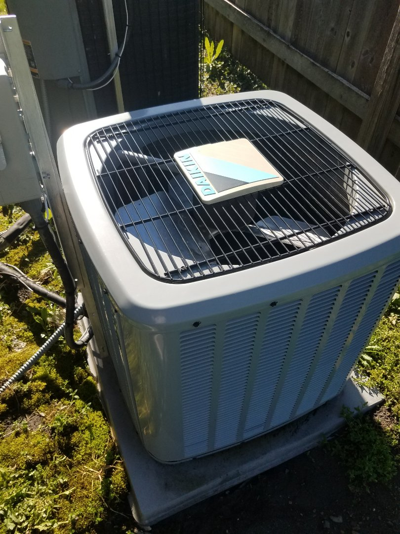 Independence, MN - Cooling maintenance. Performed cleaning and tune up on a Daikin air conditioner.
