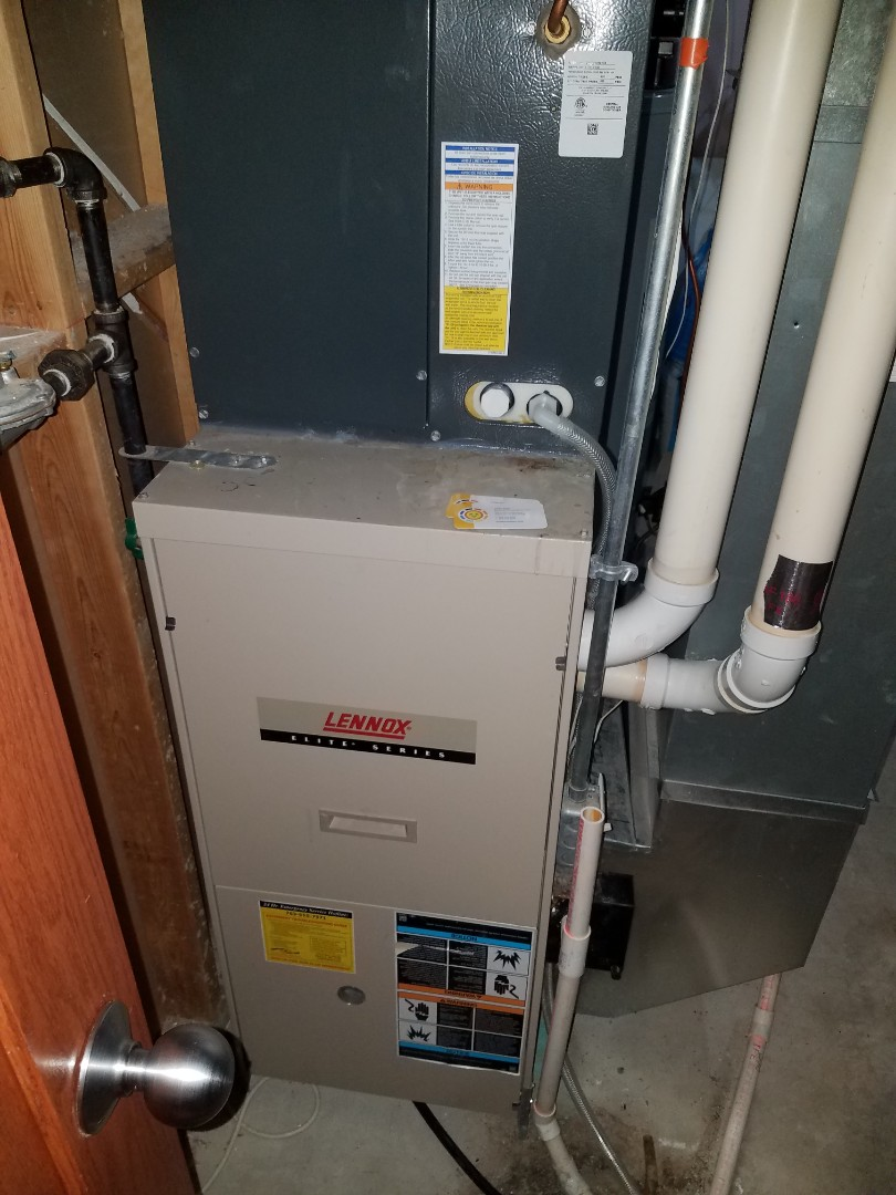 Loretto, MN - Furnace maintenance. Performed tune up and cleaning on a Lennox furnace.