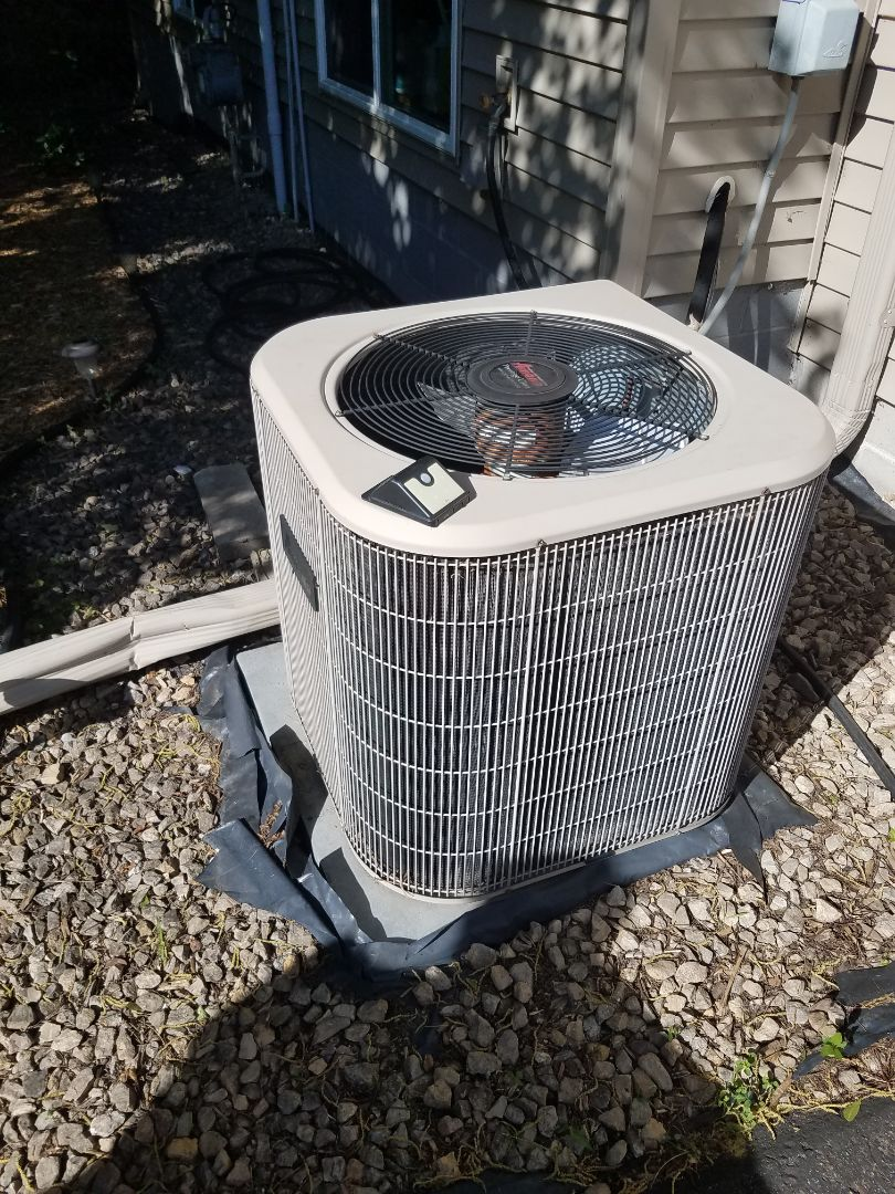 Buffalo, MN - Cooling maintenance. Diagnosed an Amana air conditioner