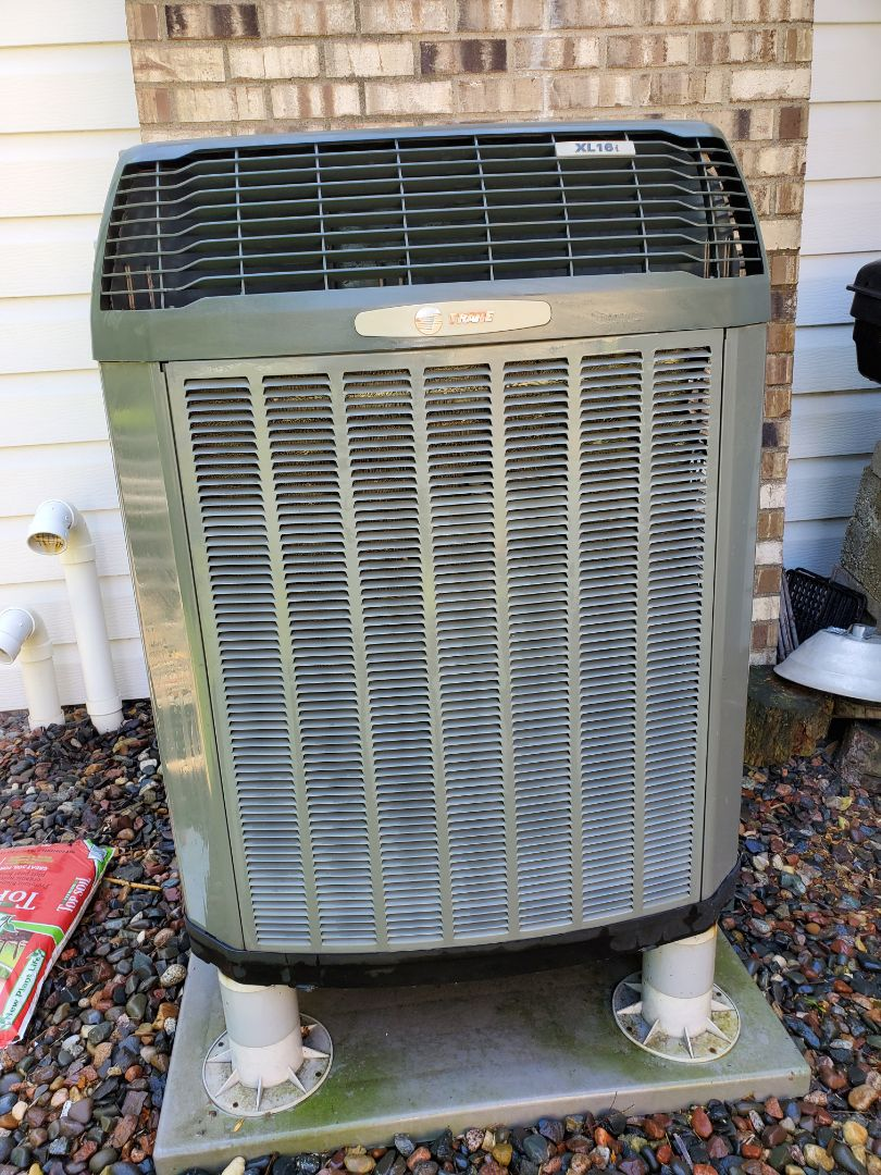 Monticello, MN - Preformed an AC tune up and cleaning on a train heat pump. Also added AC renew to refrigeration system