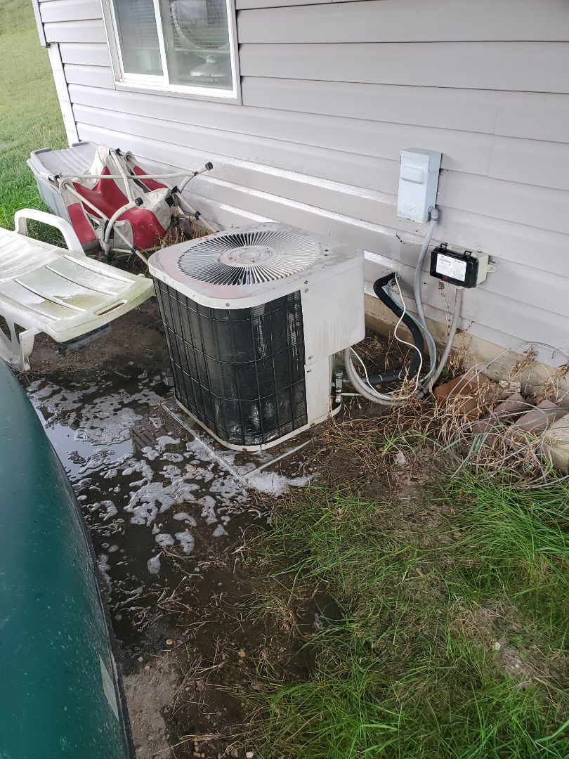 Hanover, MN - Preformed an AC tune up on a lenox air conditioner