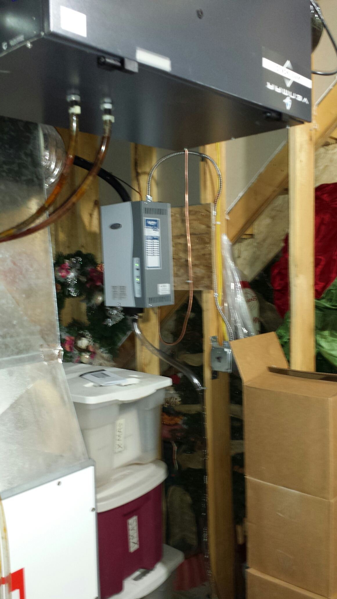 Andover, MN - Humidifier installation. Installed a new AprilAire 800 steam humidifier.