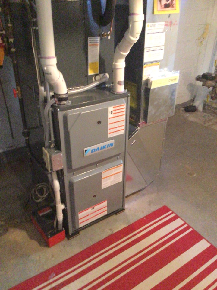 Wayzata, MN - Heating tuneup. Conducted furnace tune up and installed vent protection.