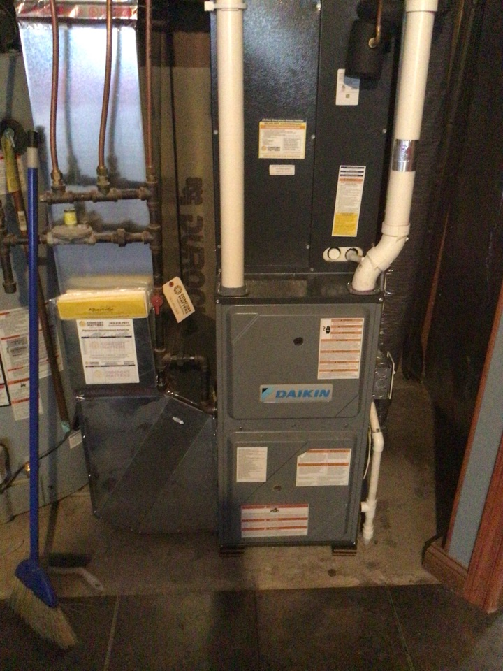 Albertville, MN - Furnace precision tune up on Daikin furnace