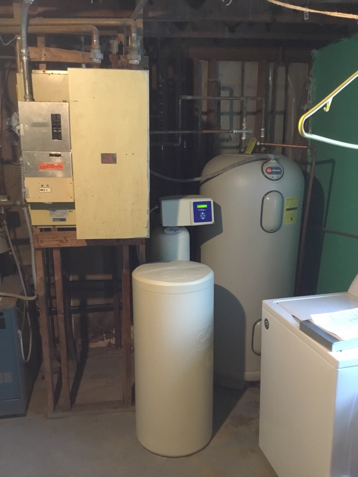 Buffalo, MN - Diagnosed issue with RHEEM water heater and corrected electrical issues.
