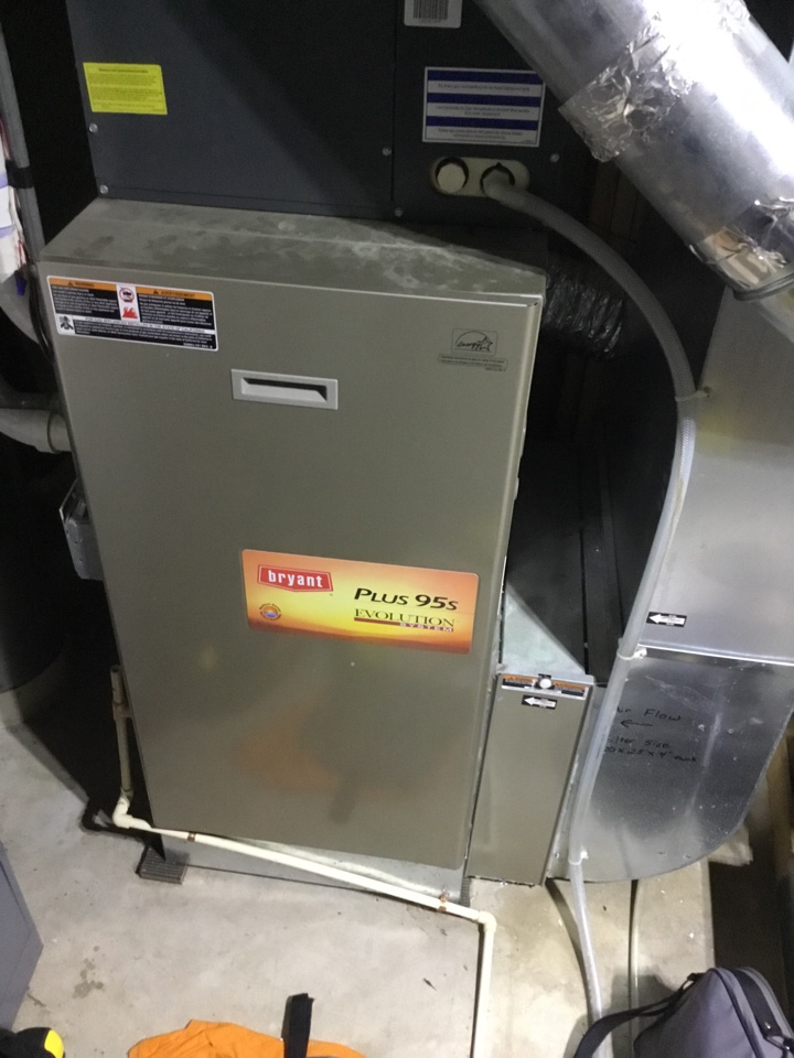 Blaine, MN - Furnace tune up. Performed maintenance on Bryant furnace and diagnosed issue with humidifier