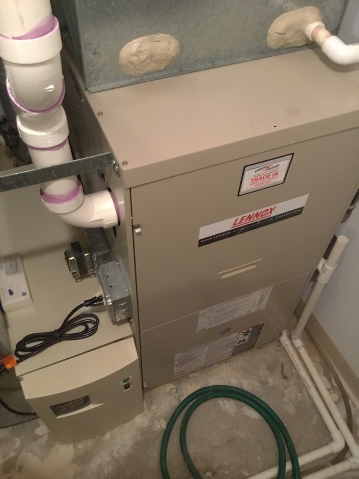 Shorewood, MN - Furnace tune up. Performed maintenance on Lennox furnace and cleaned blower wheel.