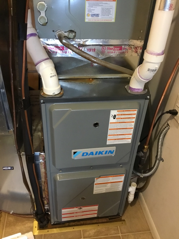 Plymouth, MN - Furnace tune up. Furnace is in terrific shape for the winter!