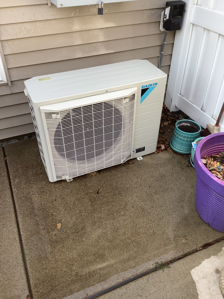 Otsego, MN - Performed AC tune up. Performed a air conditioner percussion tune up on Daikin fit system.
