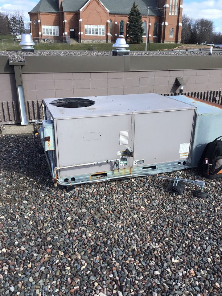 Dayton, MN - I replaced 3 blow fuses on a Carrier rooftop unit