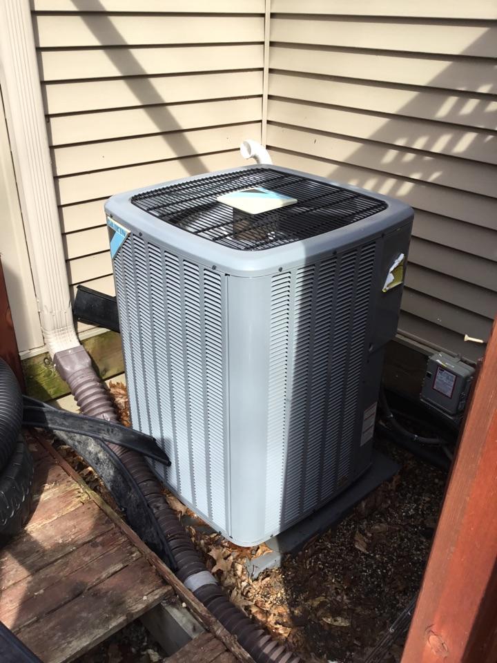 Saint Michael, MN - Ac tune up. Performed maintenance on Daikin air conditioner.