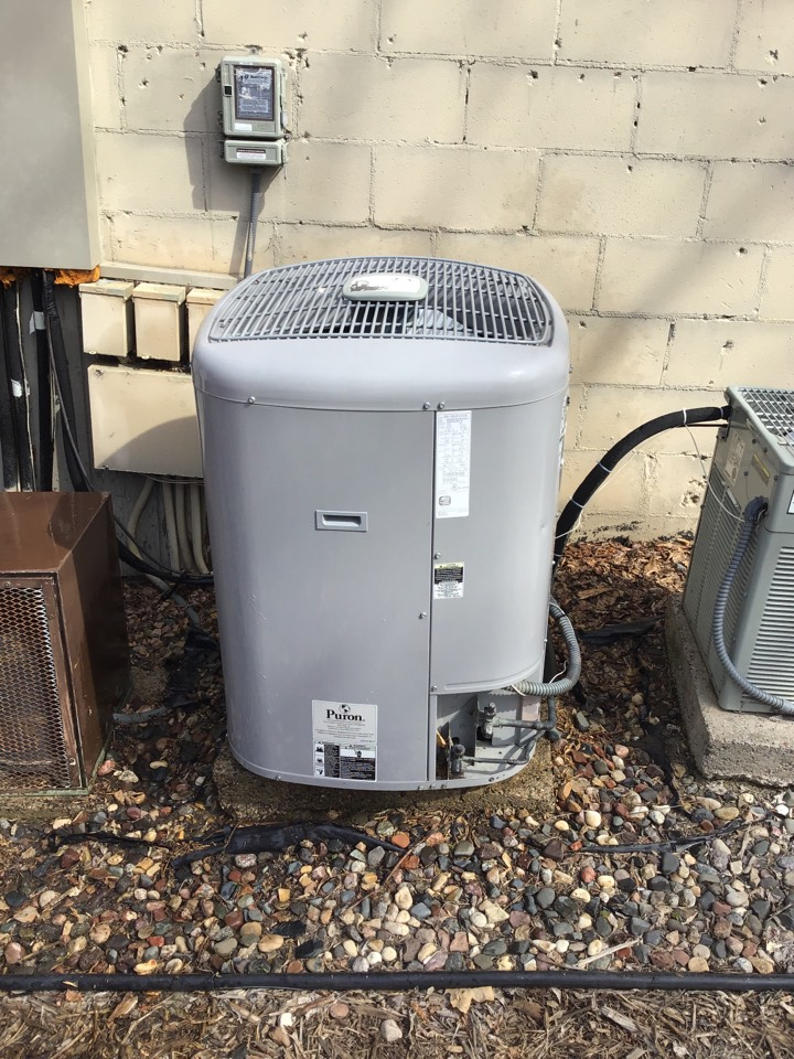 Eden Prairie, MN - I performed a precision tuneup on a Carrier air conditioner