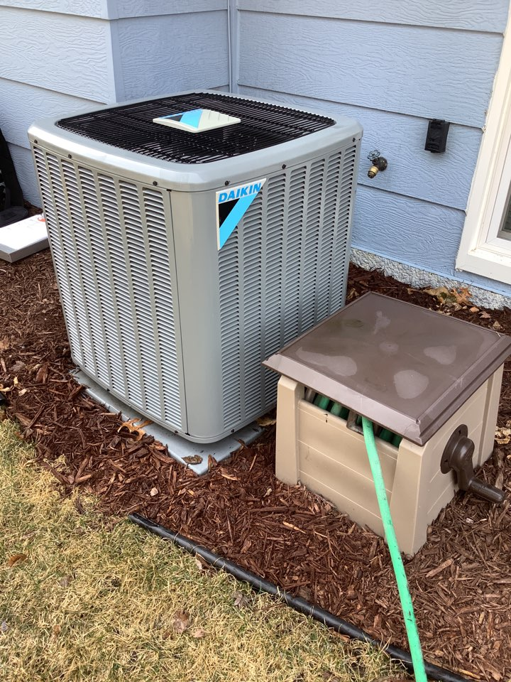 Champlin, MN - Performed ac tune up. Conducted a air conditioning tune up on a Daikin system.