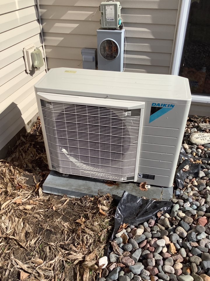 Otsego, MN - Performed ac tune up. Conducted a air conditioning tune up on a Daikin fit system.
