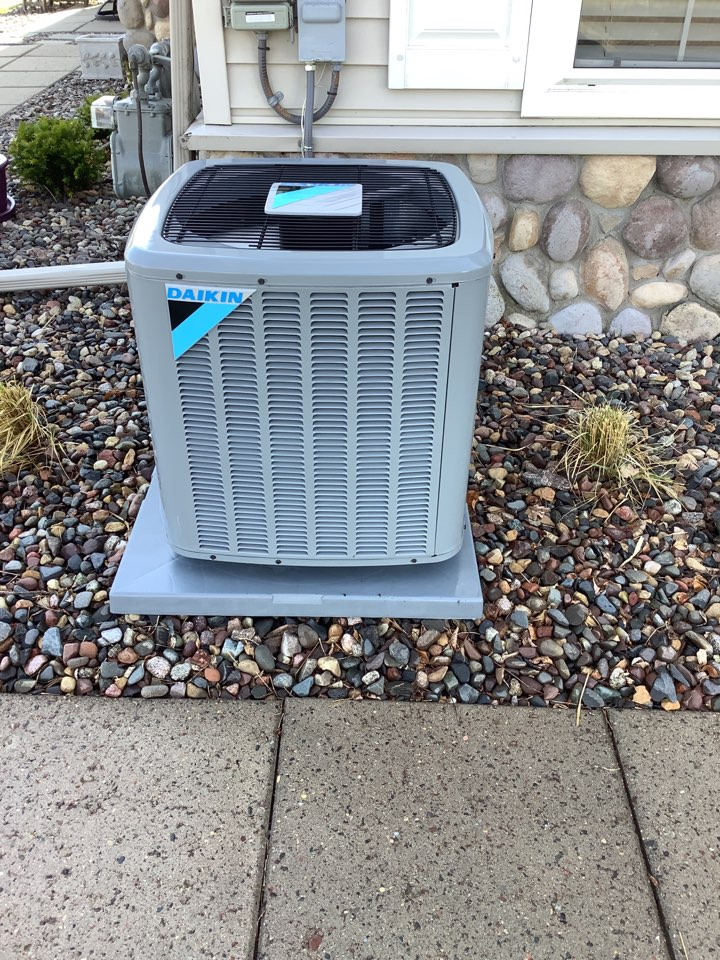 Plymouth, MN - Performed ac tune up. Air conditioning tune up on a Daikin system.