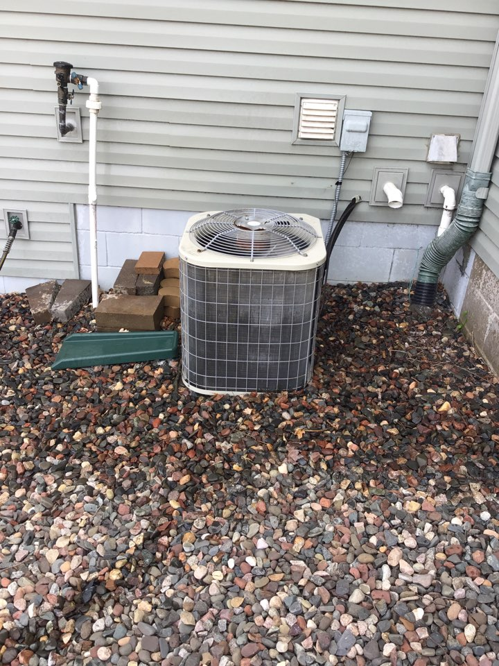 Rogers, MN - I performed a precision tuneup on a Carrier air conditioner