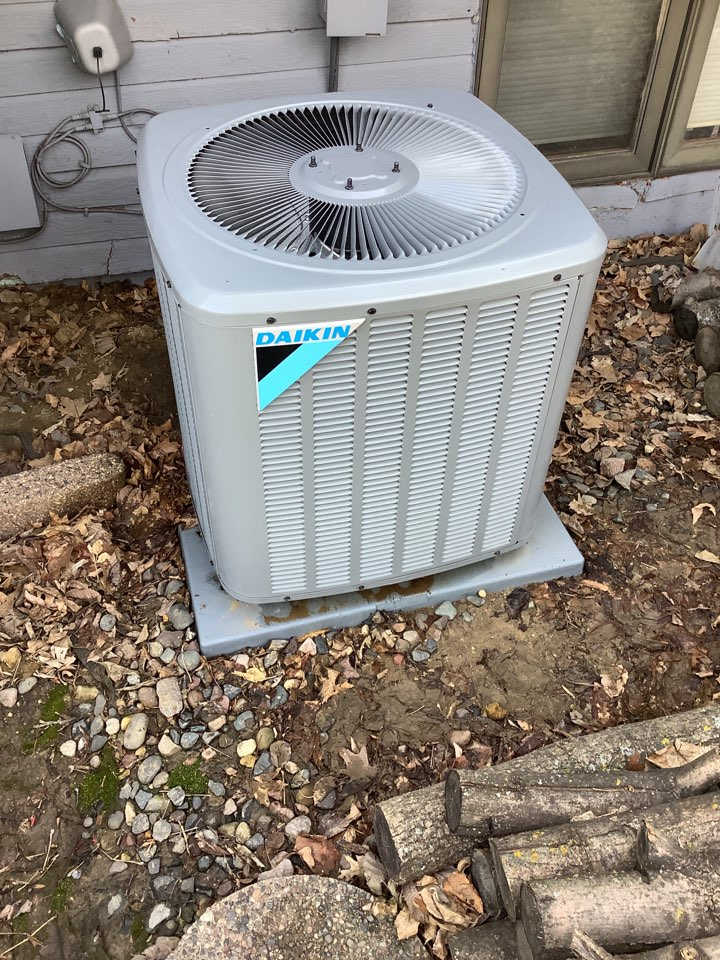 Osseo, MN - Performed a air conditioning tune up. Air conditioning tune up on Daikin air conditioner. Cleaned blower wheel on furnace.