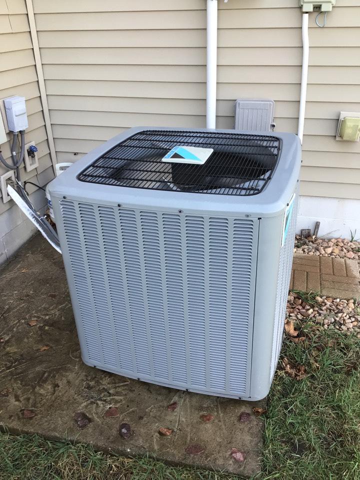 Saint Michael, MN - Daikin ac maintenance. Tune up on air conditioner