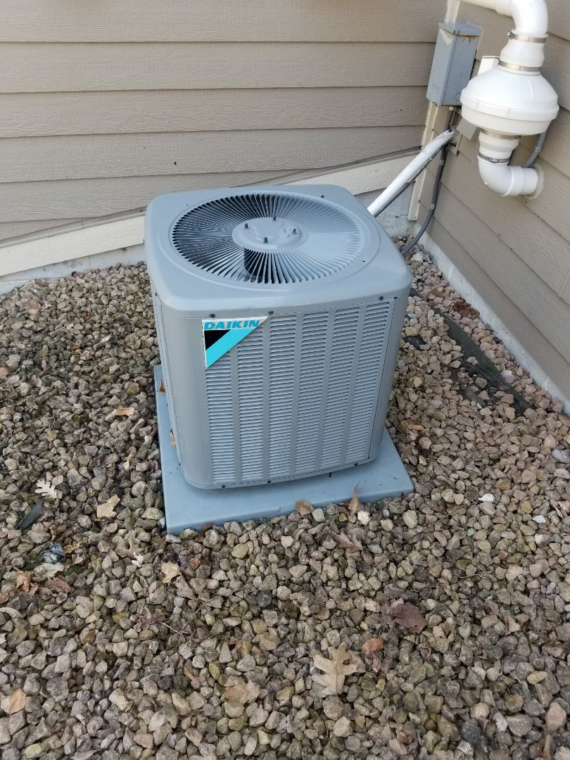 Shorewood, MN - Performed ac tune up. Performed a a/c tune up on a daikin unit.