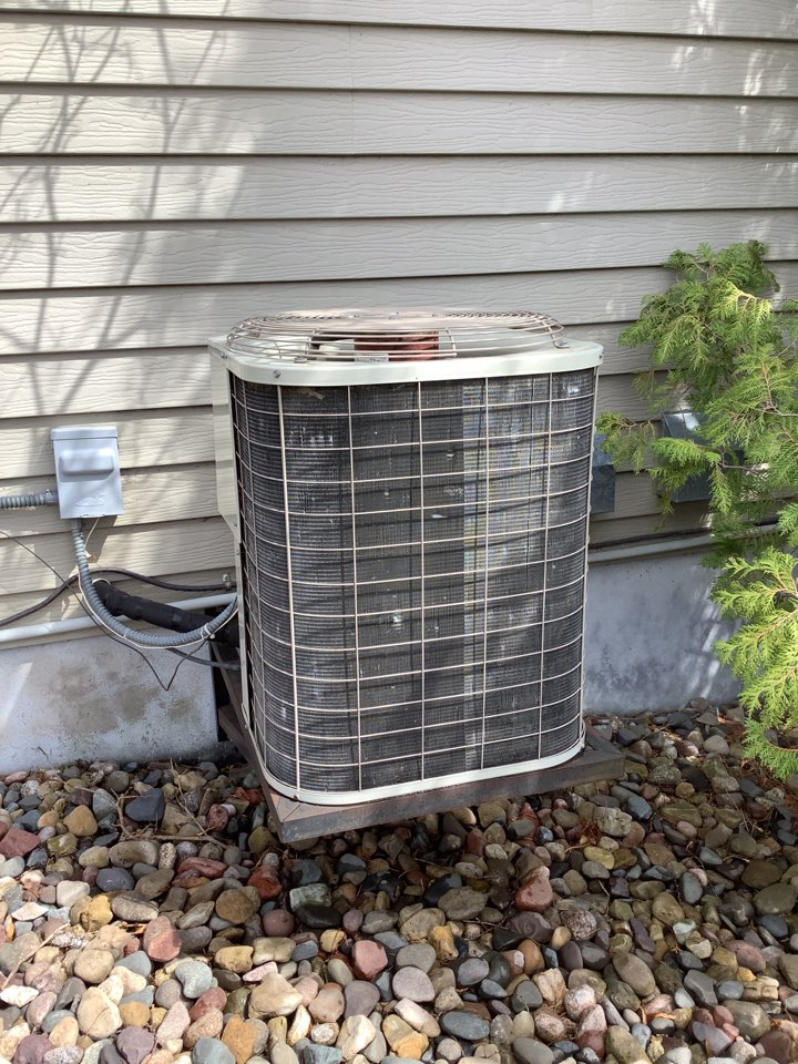 Corcoran, MN - Air conditioning tune up. Performed a air conditioning tune up. Also performed air exchanger tune up.