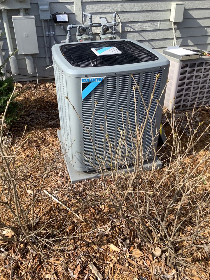 Saint Michael, MN - Performed ac tune up. Air conditioning tune up on a Daikin unit.