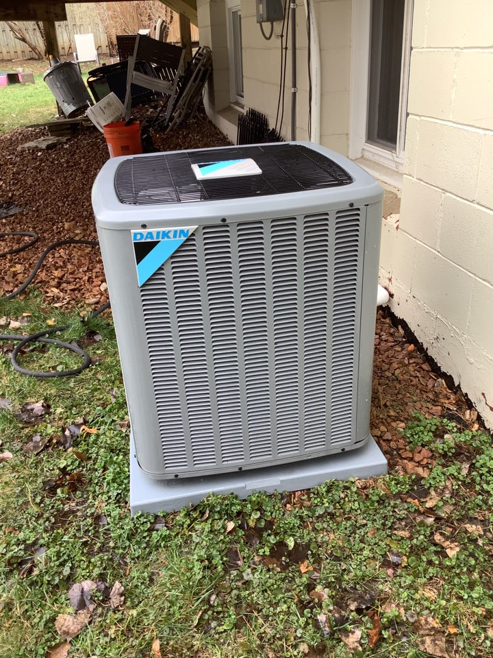 Osseo, MN - Air conditioner tune up. Performed a air conditioner tune up on a Daikin unit.